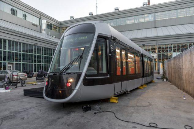 纽约市长白思豪25亿有轨电车线路计划恐流产 样车首亮相