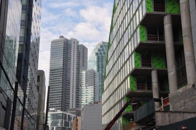 亚马逊第二总部入驻,房价涨上天?长岛市将是下一个西雅图?