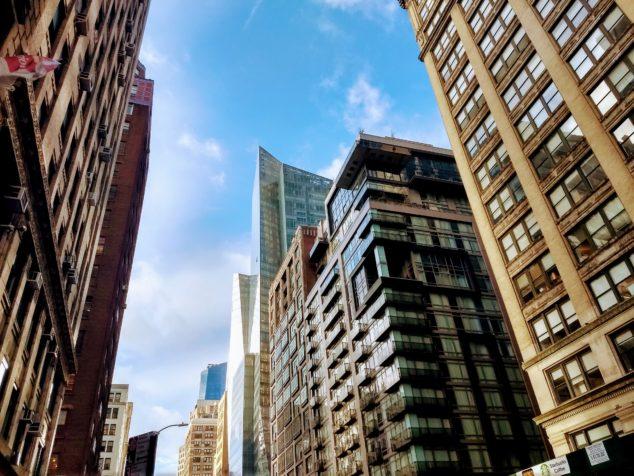 曼哈顿公寓销售额降至09年来最低